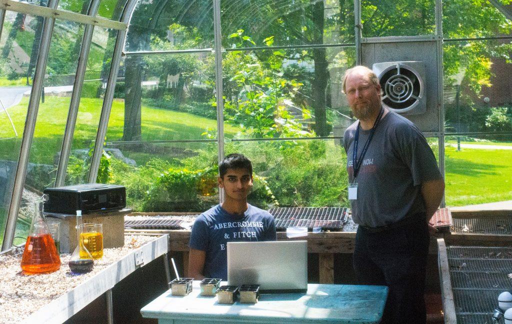 Vince Coljee teaches the Mars Mission three-week program