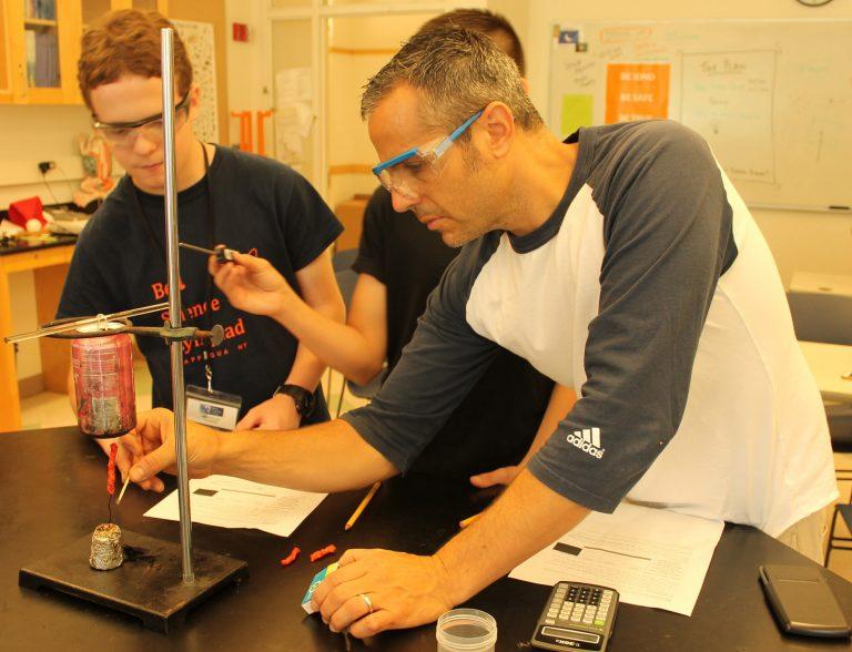 Michael Horesh teaches Chemistry Edge one-week program