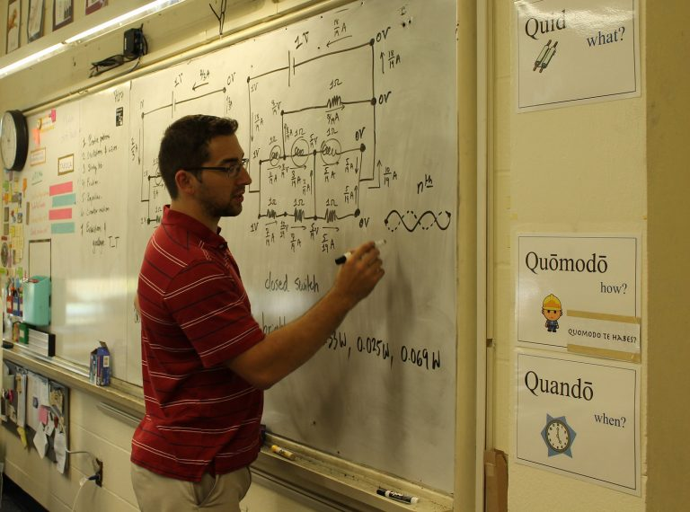 Trevor Kafka teaching Physics Edge one-week program